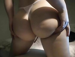 Delicious Pawg Huge bootie Thicc body